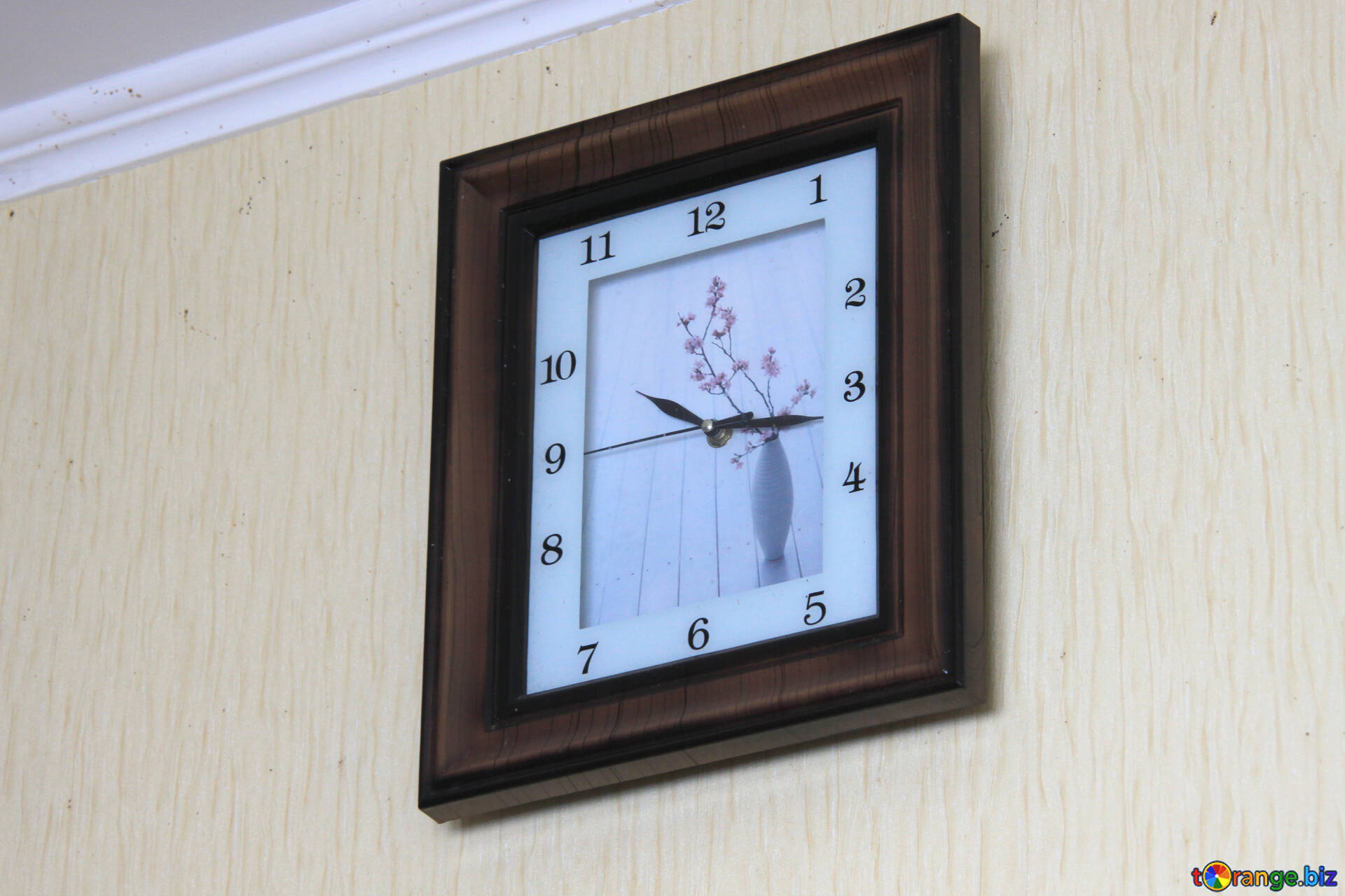 Time Watch The Clock On The Wall Watch 784