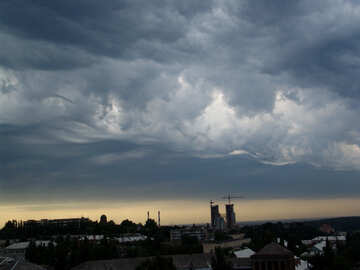 Storm clouds over the city №637