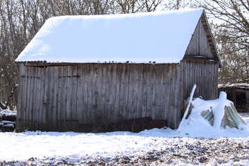 Wooden shed in winter №488