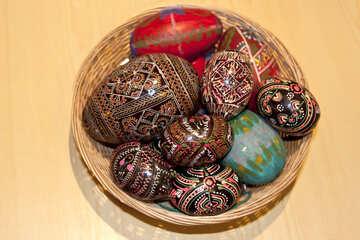 Eier und Krashenki in Korb №987