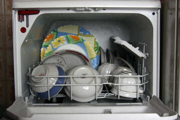 Посуда в посудомойке  №975