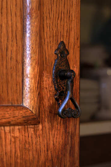 Old pen on the door of the kitchen tables №977