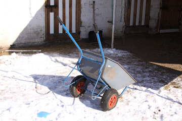 Wheelbarrow garden-building in the winter snow №697