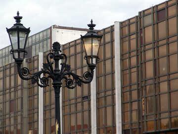 Eine Laterne auf dem Glas und Beton №234