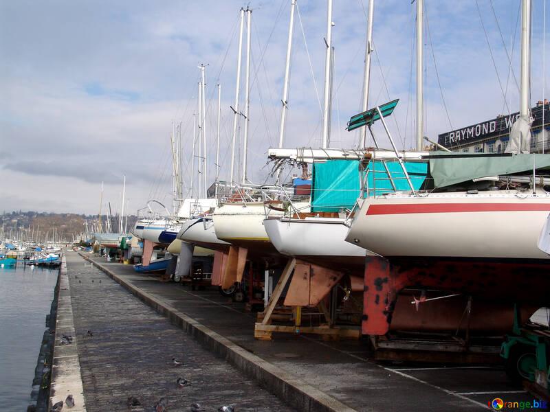Yachts relativo alle scorte di lo sguardo severo №442
