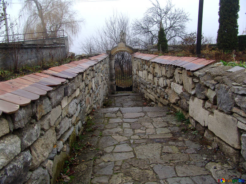 The narrow cobbled streets of old №311