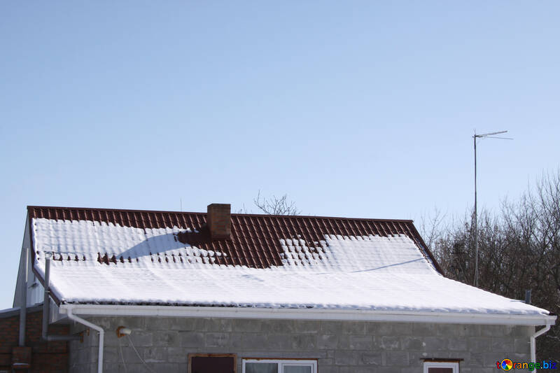 Gable roof with different slope in the winter №496