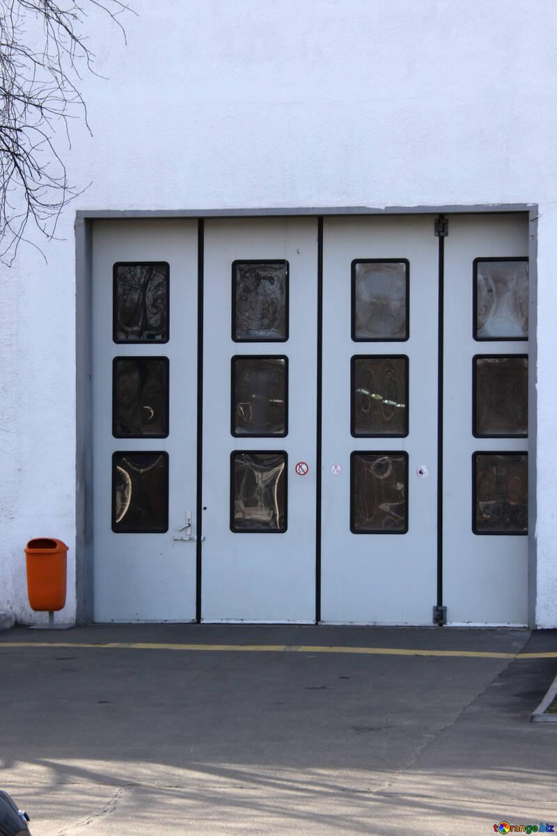 Industrial sliding gates. №771