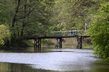 The bridge across the lake №1672