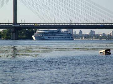 The bridge and ship №1985
