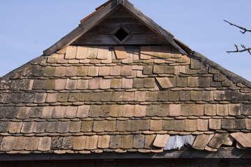 Vecchio tetto coperto di tegoli №1088
