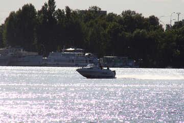 Camminare  barca №1916