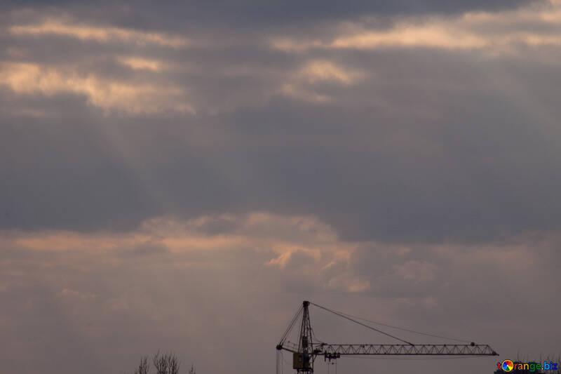Tower crane under the sun №1122