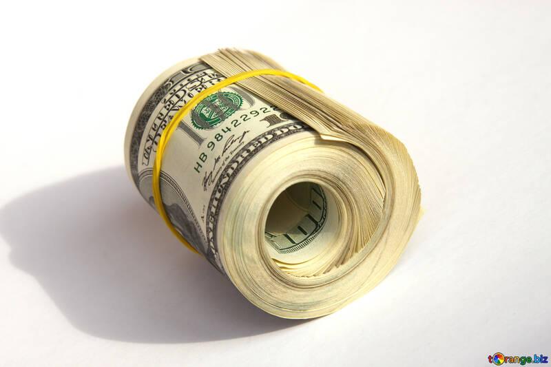 Доллары свернутые  и перетянутые резинкой №1483