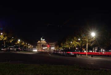 Camminare Berlino di notte №11604