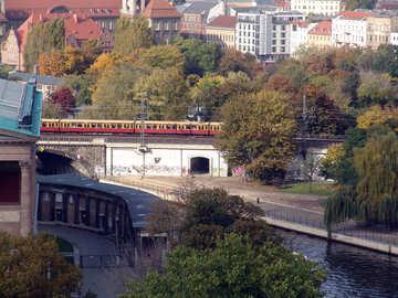 Berlin-Zug №11832