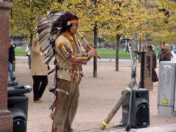 Уличный музыкант №11645