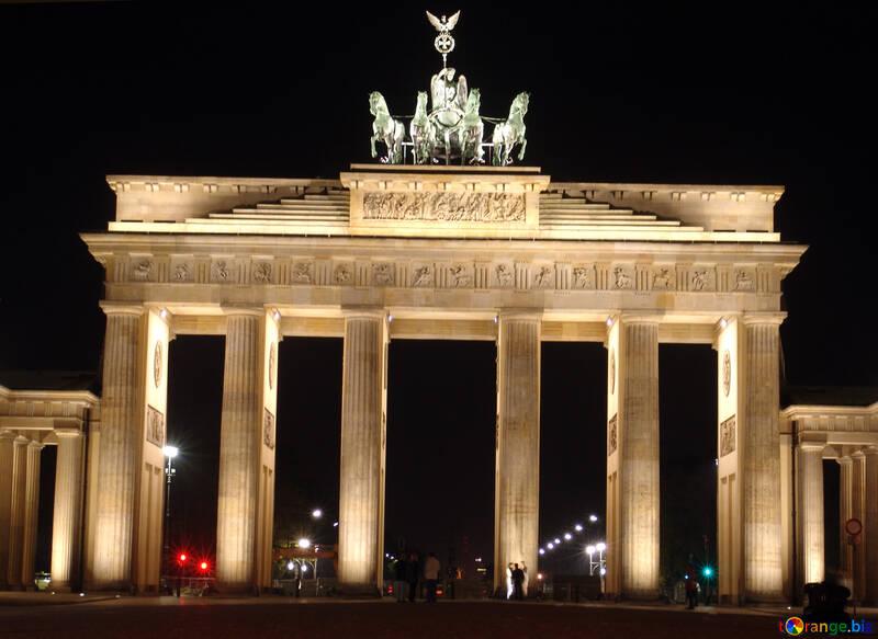 The Brandenburg Gate №11547
