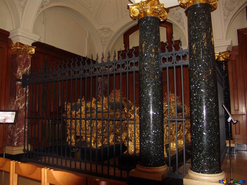 Precious coffin №11627