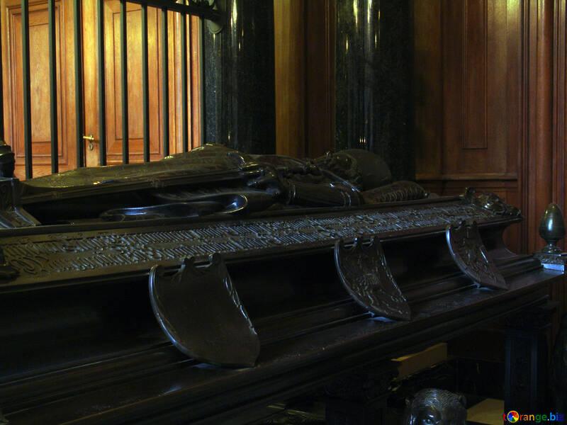 Stone coffin №11610