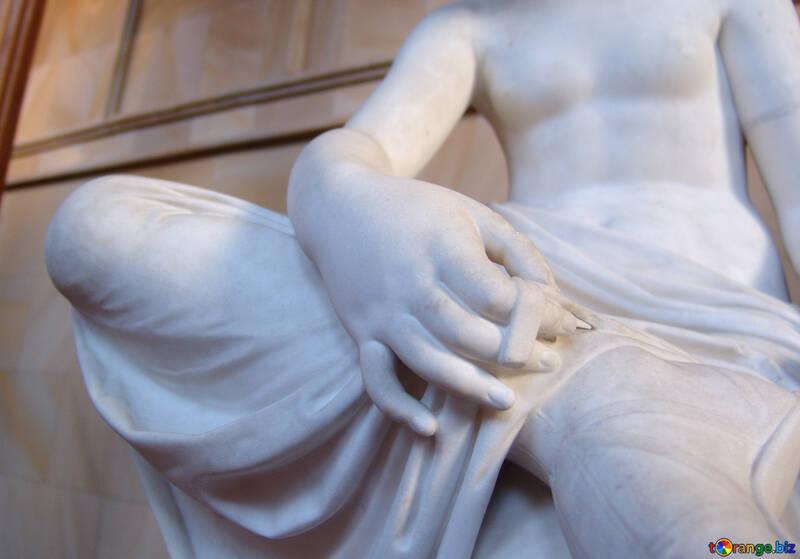 Фрагмент скульптуры из мрамора №11921