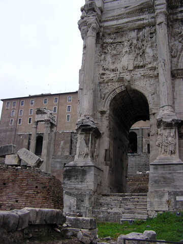 Überreste der antiken Architektur in Rom №12530