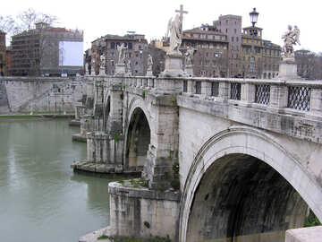 The bridge across the Tiber №12611