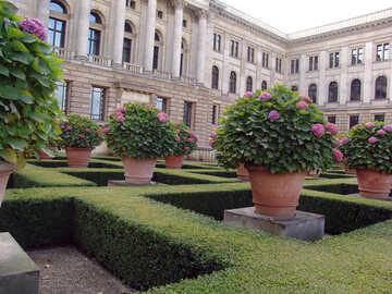 Landscaped garden №12066