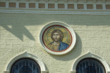 Religious images on the facade №12840