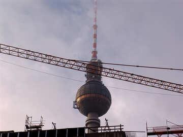 Torre scomparendo nella nebbia №12116
