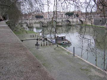 Tiber River in Rome №12472