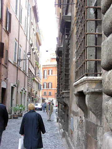 The narrow streets of Rome №12358