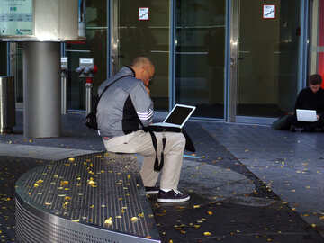 Man with laptop №12035