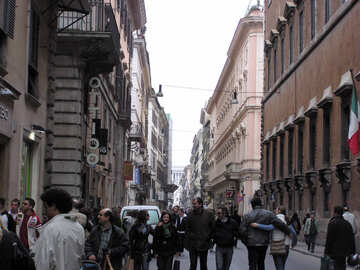 La gente que camina por las calles de Roma №12532