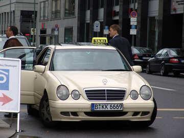 Dem Taxi №12161