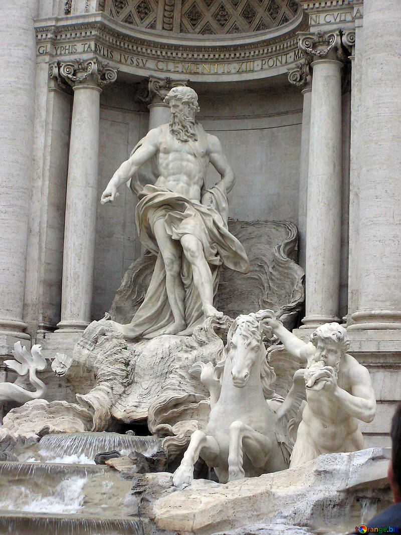 Sculpture in the fountain De Trivia №12478