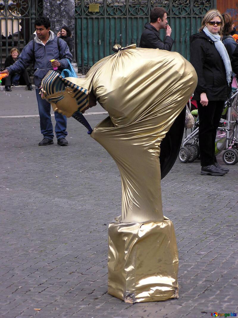 Living sculpture №12533