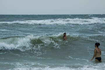 Baden im Meer ist rau №13446