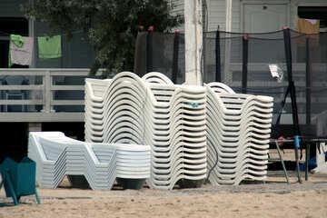 A stack of sunbeds №13463