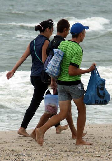 Venditori di spiaggia №13462