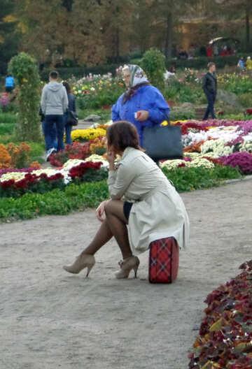 Girl waits №13815