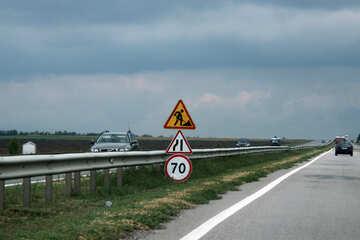 Segno di limite di velocità di lavori stradali №13347