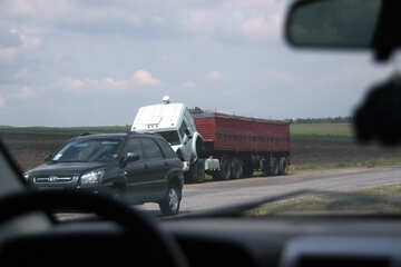 Truck was broken in the middle of the road №13335