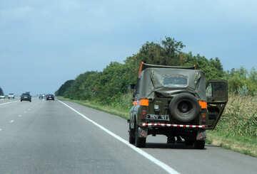 Militärfahrzeug brach auf der Straße №13225