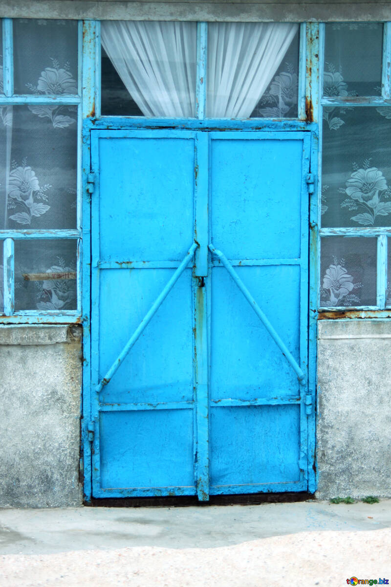 The texture of the iron blue doors №13776