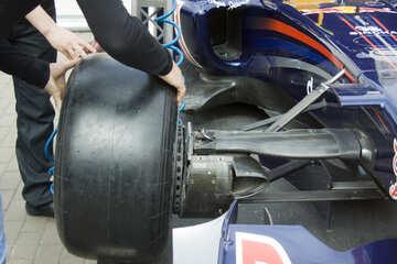 Changing wheel №14765