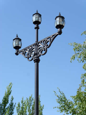 Ancient lantern on three lamps №14137