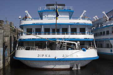 Großes Schiff №14577