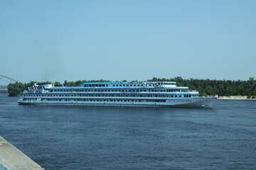 Kreuzfahrtschiff №14600
