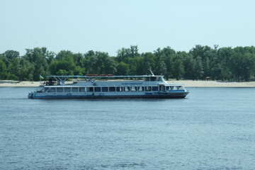 Schiff für Spaziergang №14505